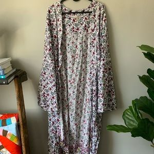 Sweaters - Floor length floral robe/duster
